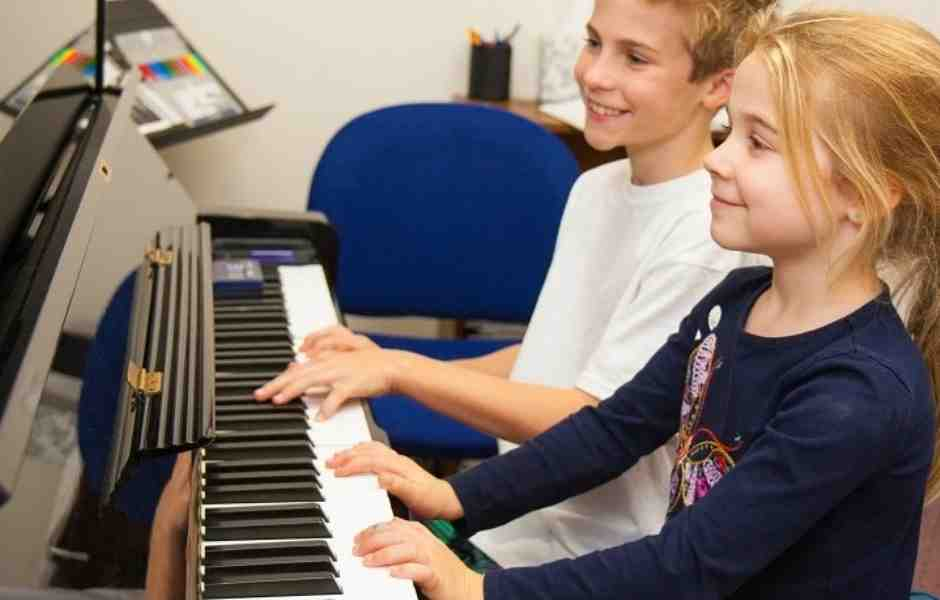 Bethesda Students Having Fun In Their Piano Lesson At International School Of Music